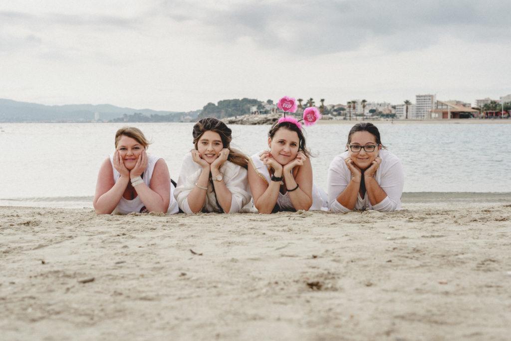 evjf 3 copines sur le sable